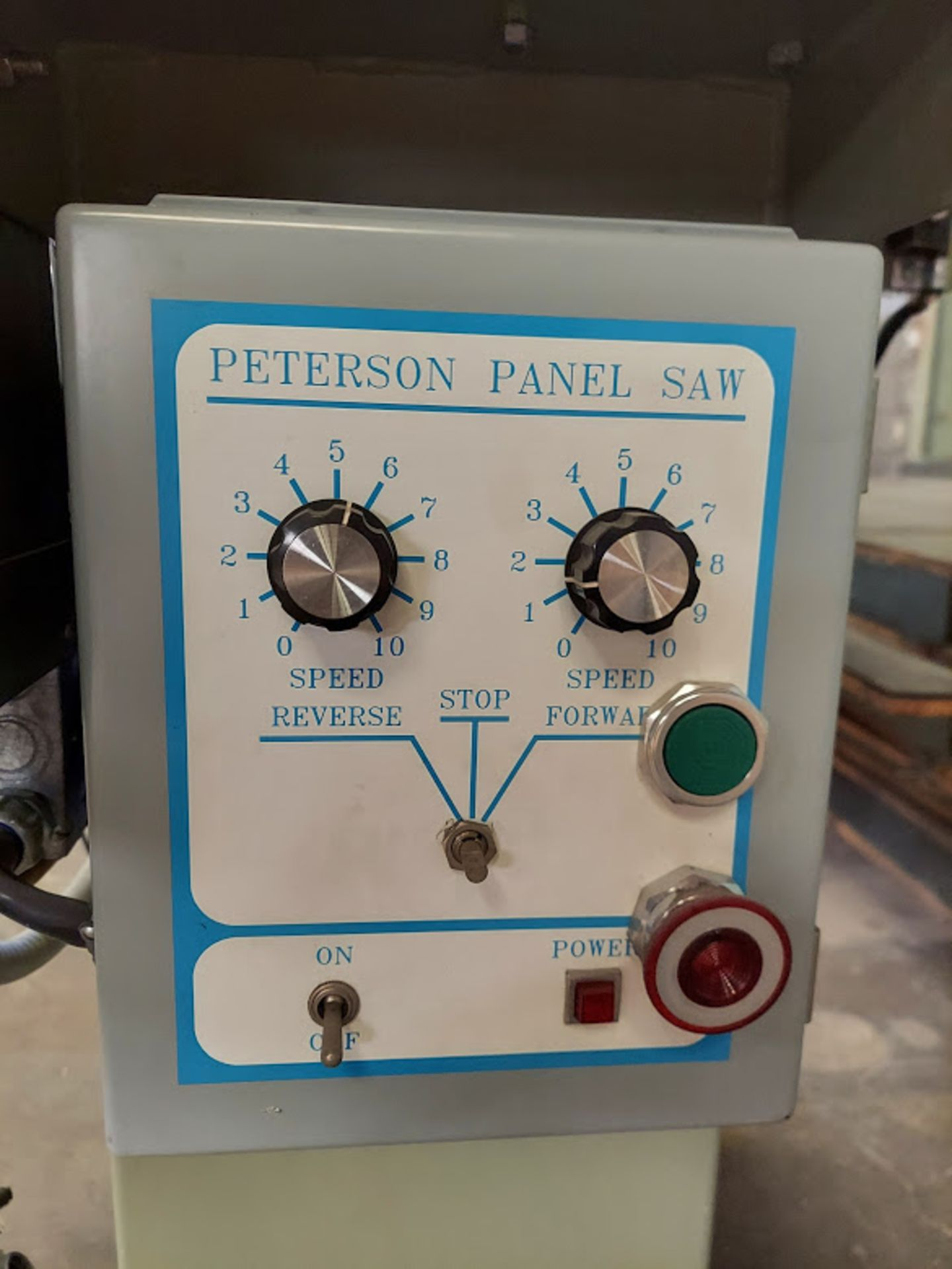 """Peterson 12"""" Panel Saw, 3 HP, 230/460 Volt 3 Phase, Pallet of Infeed and Outfeed Tables, Pneumatic - Image 5 of 9"""
