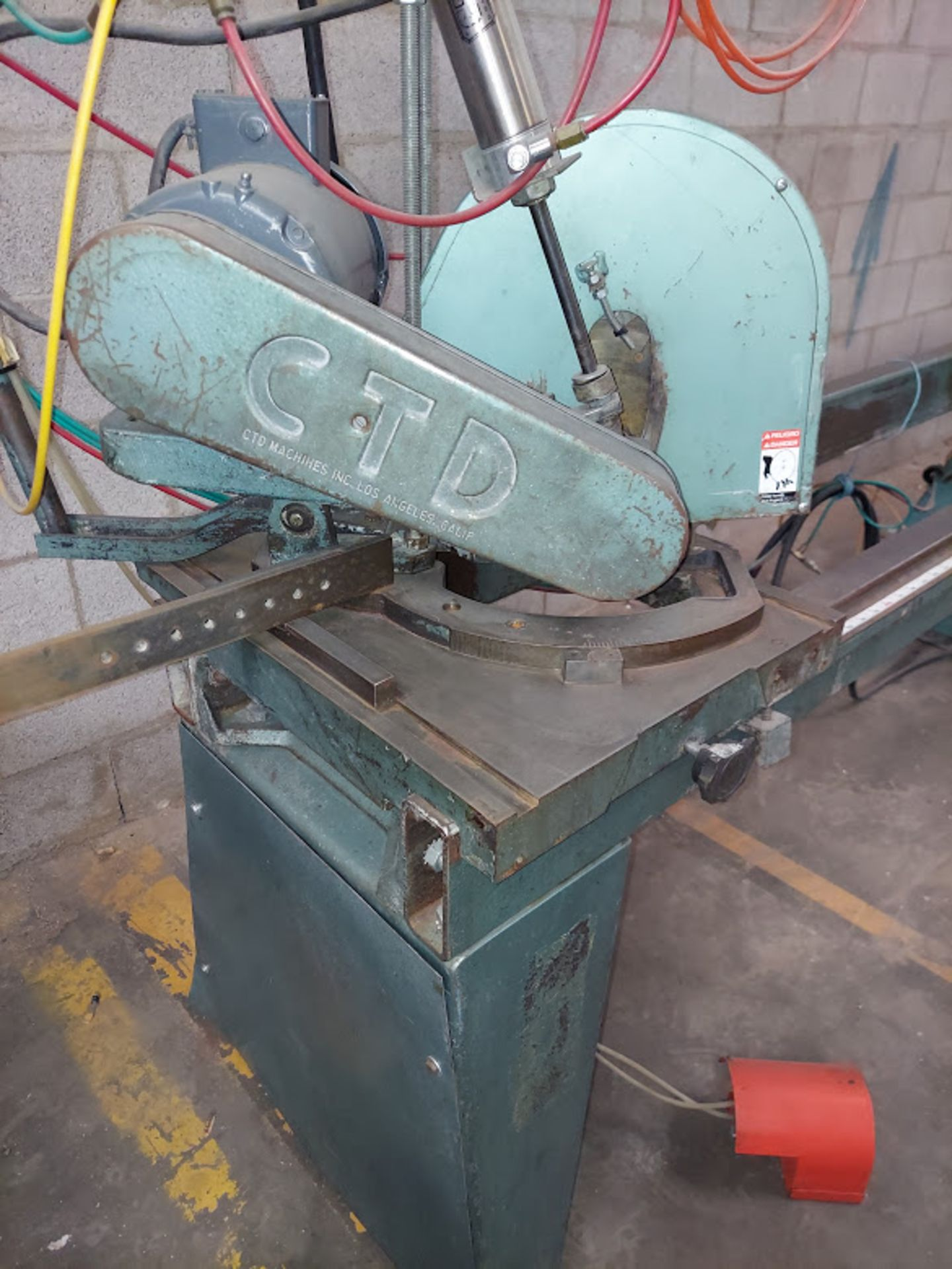 "CTD 12"" Double End Trim & Miter Saw, Model #DM200, 2 - Baldor 2 HP 230/460 Volts 3 Phase - Image 5 of 6"