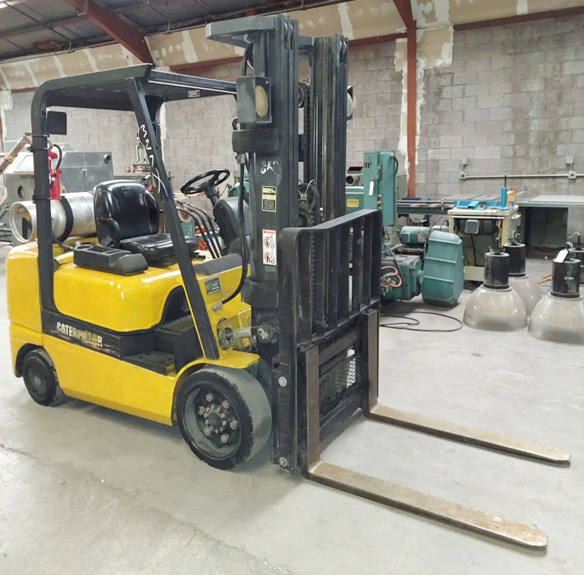 "Caterpillar 4,750 Forklift, Model # GC30K, 3 Stage, 87"" Lowered & 199"" Raised, Side LP Fuel, Cushion"