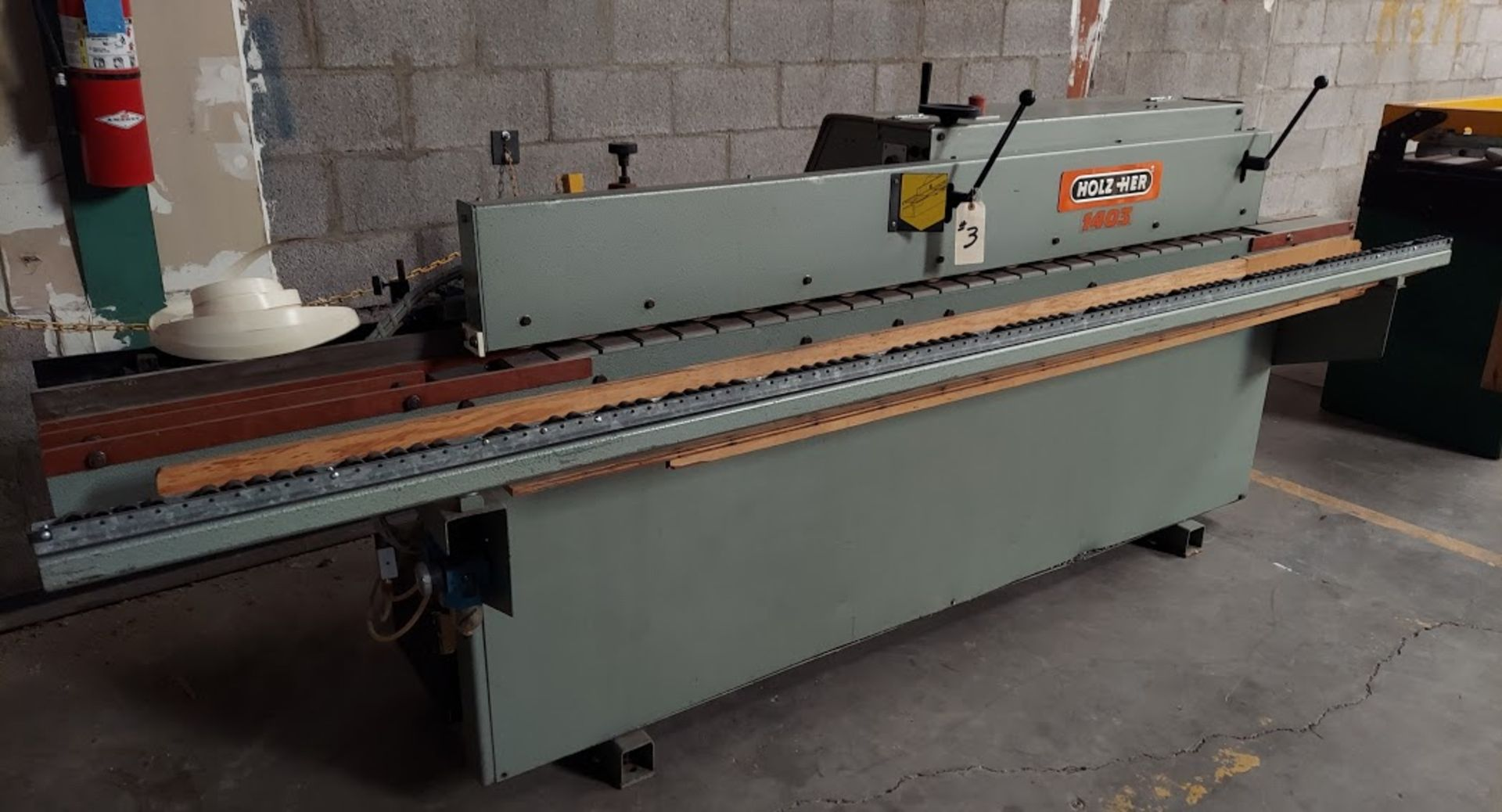 Holz Her 1403 Edgebander, 230 Volts 3 Phase, Auto feed, Cartridge Glue System, Double End Trim,