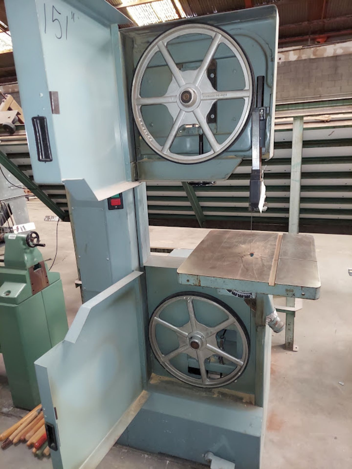 """Delta 20"""" Wood Cutting Bandsaw, Model #28-654, 2 HP 230 Volts 3 Phase, 2 Step Pully - Image 3 of 6"""