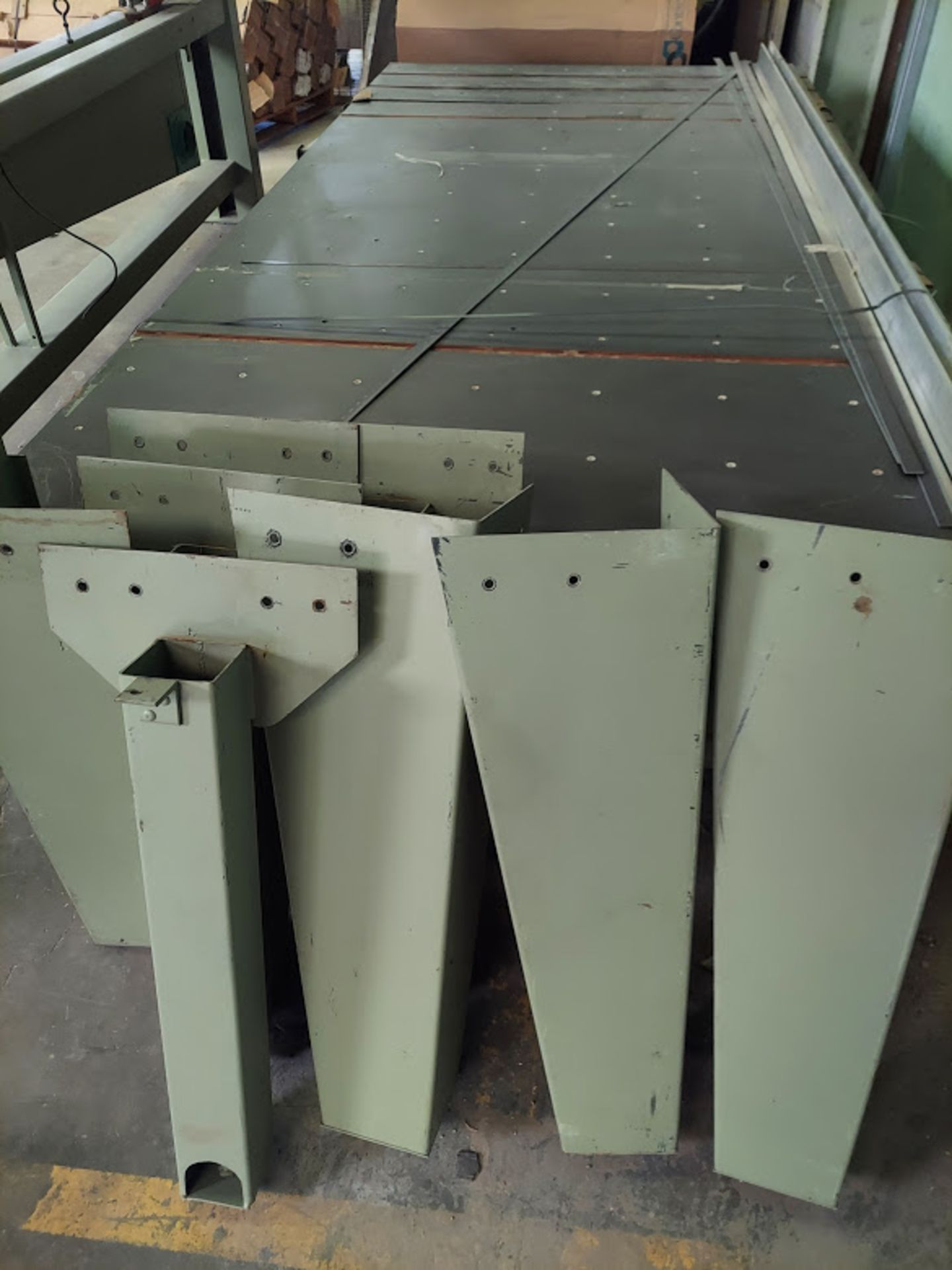 """Peterson 12"""" Panel Saw, 3 HP, 230/460 Volt 3 Phase, Pallet of Infeed and Outfeed Tables, Pneumatic - Image 8 of 9"""