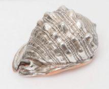 CONCHIGLIA placcata in argento. Cm 11x15,5x12.