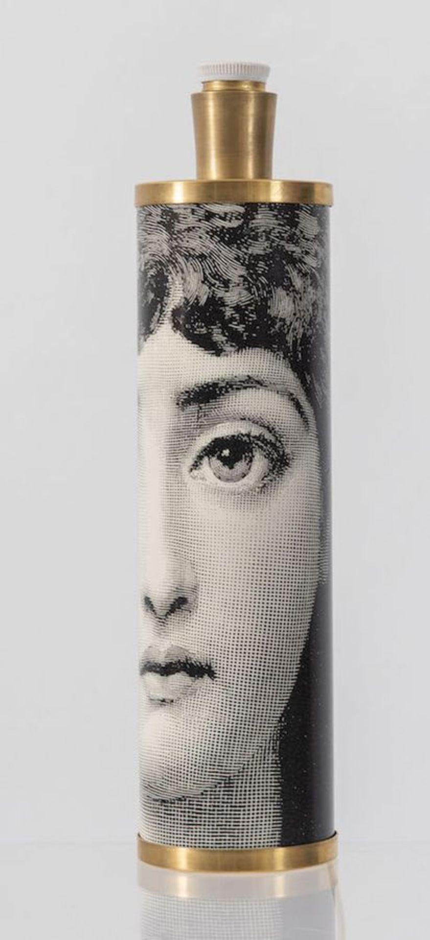 PIERO FORNASETTI Lampada da tavolo in metallo e ottone. Prod. Fornasetti, Italia, 1960 ca. Cm 42,5x1 - Bild 3 aus 3