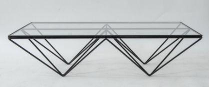PAOLO PIVA Tavolo in metallo con piano in vetro modello Alanda. Prod. B&B, Italia, 1980 ca. Cm 120x3