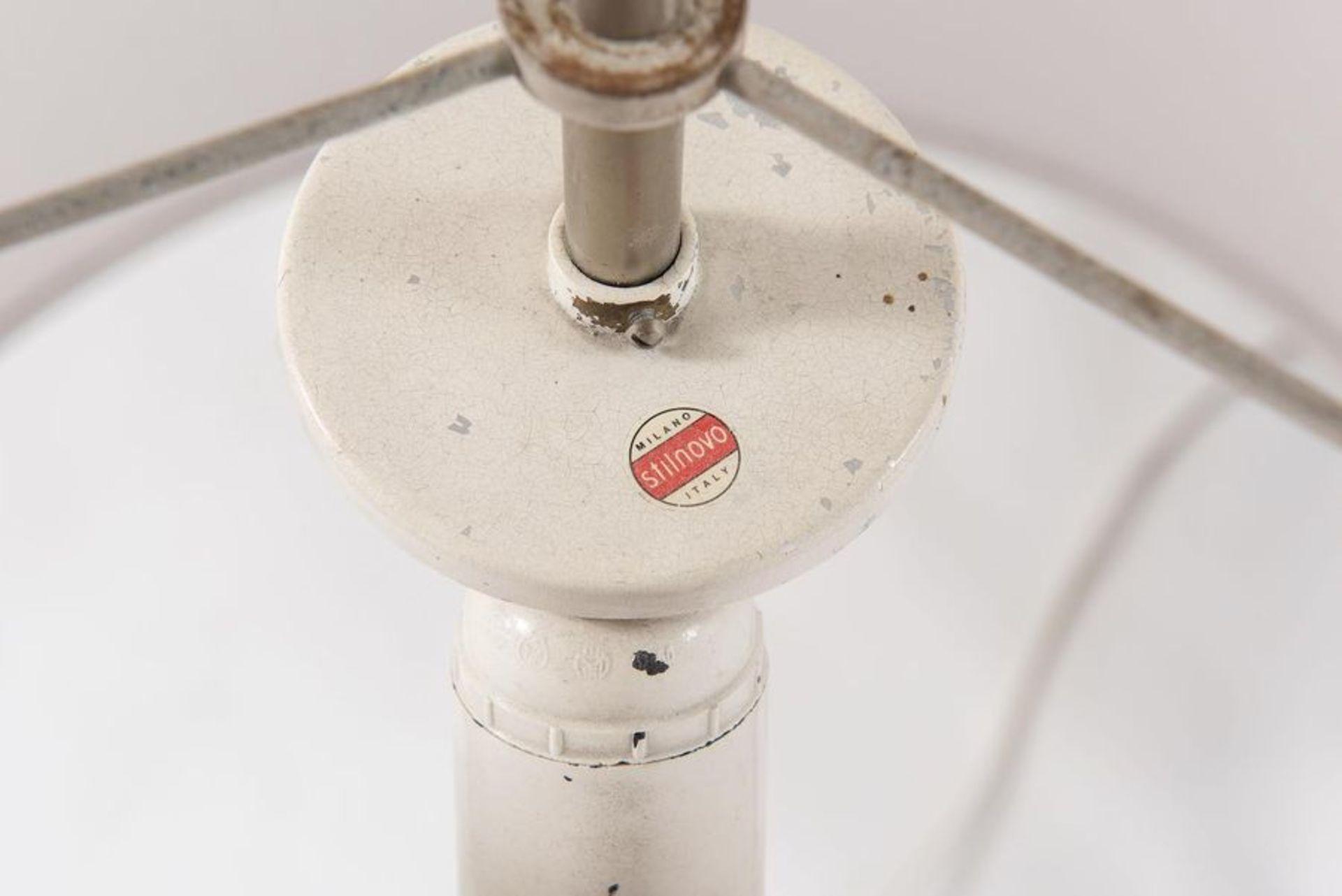 STILNOVO Lampada da tavolo con struttura in alluminio e vetro opalino. Marchio originale. Prod. Stil - Bild 2 aus 2