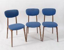 Sei sedie in legno con seduta in stoffa. Prod. Italia, 1960 ca. Cadauna di cm 84x42x48.