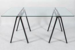 GAE AULENTI Tavolo con struttura in alluminio laccato e piano in vetro; modello Gaetano. Prod. Zanot