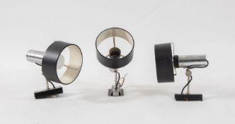STILNOVO Tre lampade da muro in metallo. Marchio originale. Prod. Stilnovo, Italia, 1970 ca. Cadauna