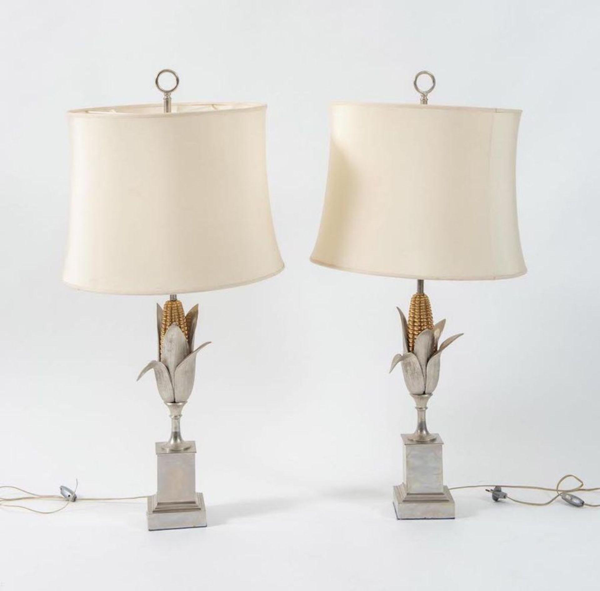 MAISON CHARLES, attr. Coppia di lampade da tavolo in metallo. Prod. Maison Charles Att. ,Francia, 19 - Bild 3 aus 3