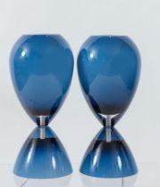 MURANO Coppia di lampade da tavolo a clessidra in vetro ''incamiciato''. Marchio originale. Prod. Mu