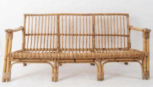 Divano a tre posti in vimini e bamboo. Prod. Italia, 1970 ca. Cm 177x82,5x72,5.