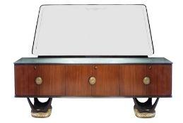 VITTORIO DASSI, attr. Credenza in legno con specchio e maniglie in ottone. Prod. Italia, 1960 ca. Cm
