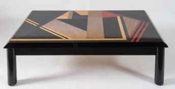 GIOVANNI OFFREDI, attr. Tavolo da caffè in legno laccato con composizione geometrica. Prod. Attr. Sa