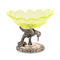 Austro-Hungarian workshop, Vide-poche made of green uranium glass, on a silver support, made in the
