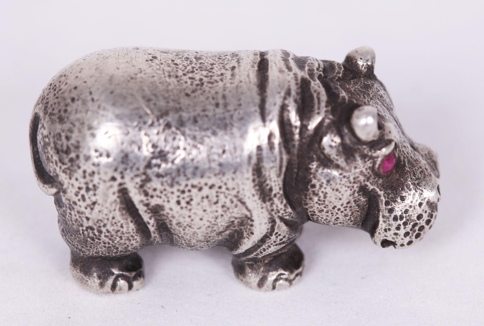 Hippopotamus. Silver. 20th century.<br>2x3,5 cm.