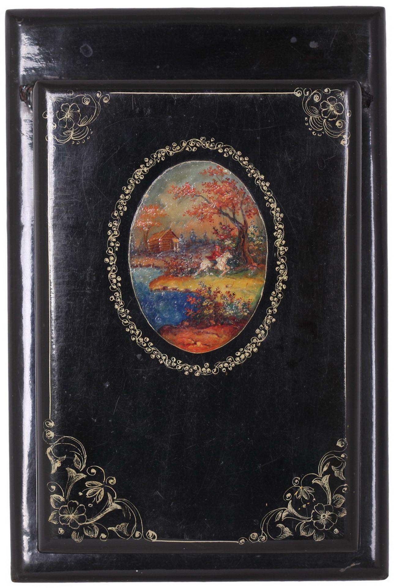 Russian black lacquered papier mache inkstand. - Mstyora, 20th century.<br>Hand painted. Inkstand: 8 - Bild 5 aus 7