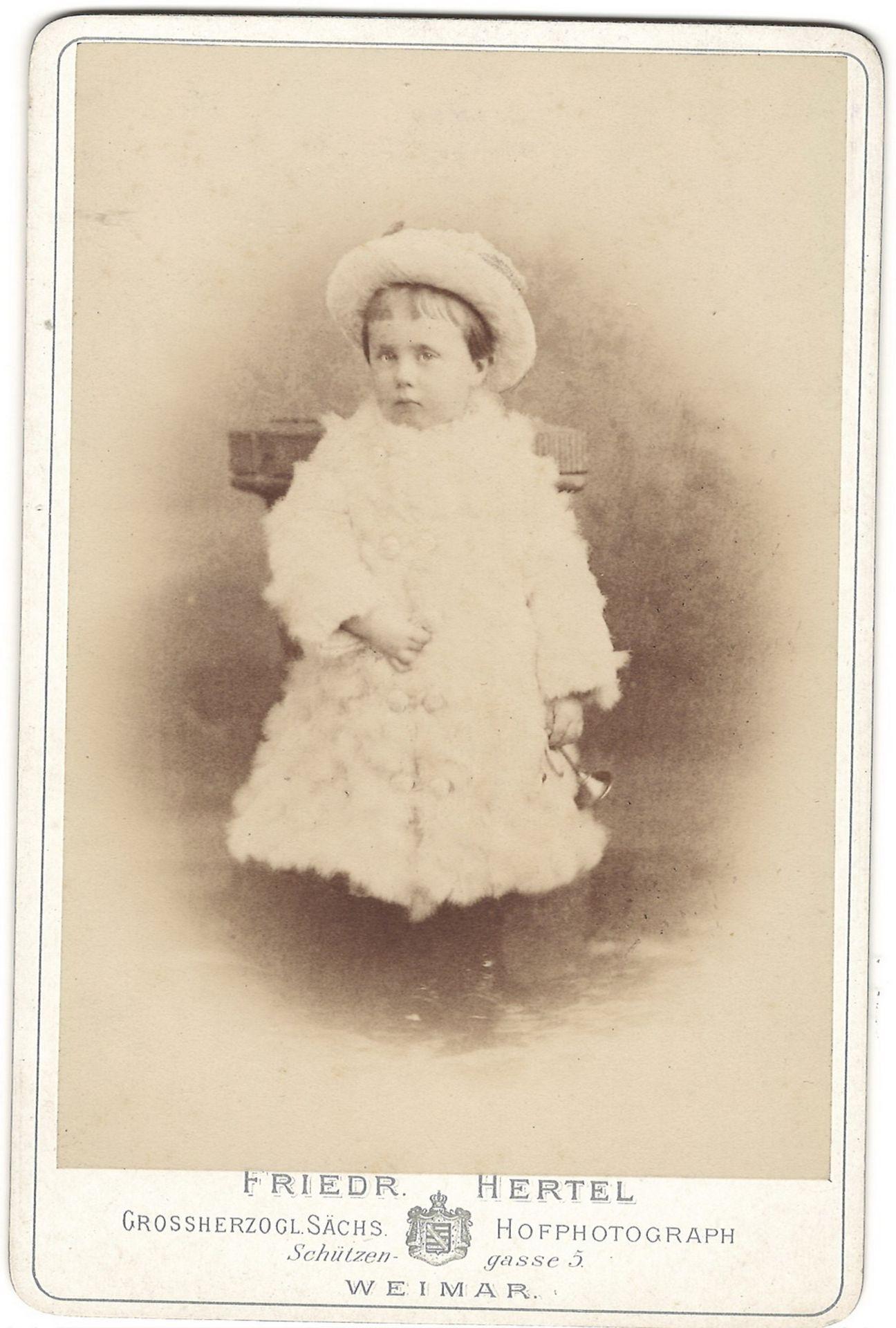 Hartzel, F. Cabinet portrait of Wilhelm von Sachsen-Weimar. Photograph. Author's print. [1879]. 16,5