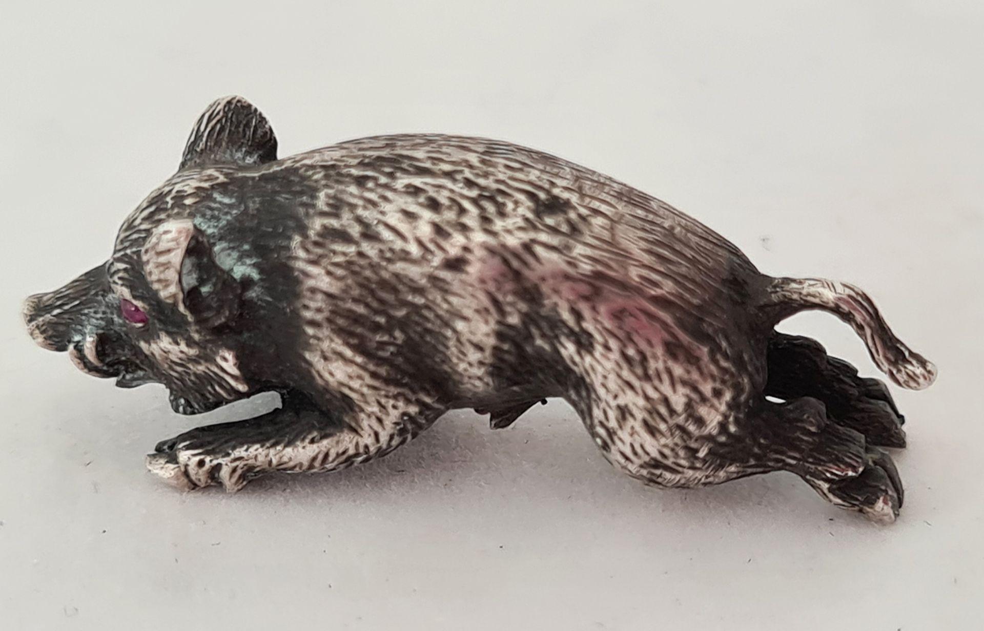Wild boar. Silver. 20th century.<br>1,5x3,5 cm. - Bild 3 aus 4