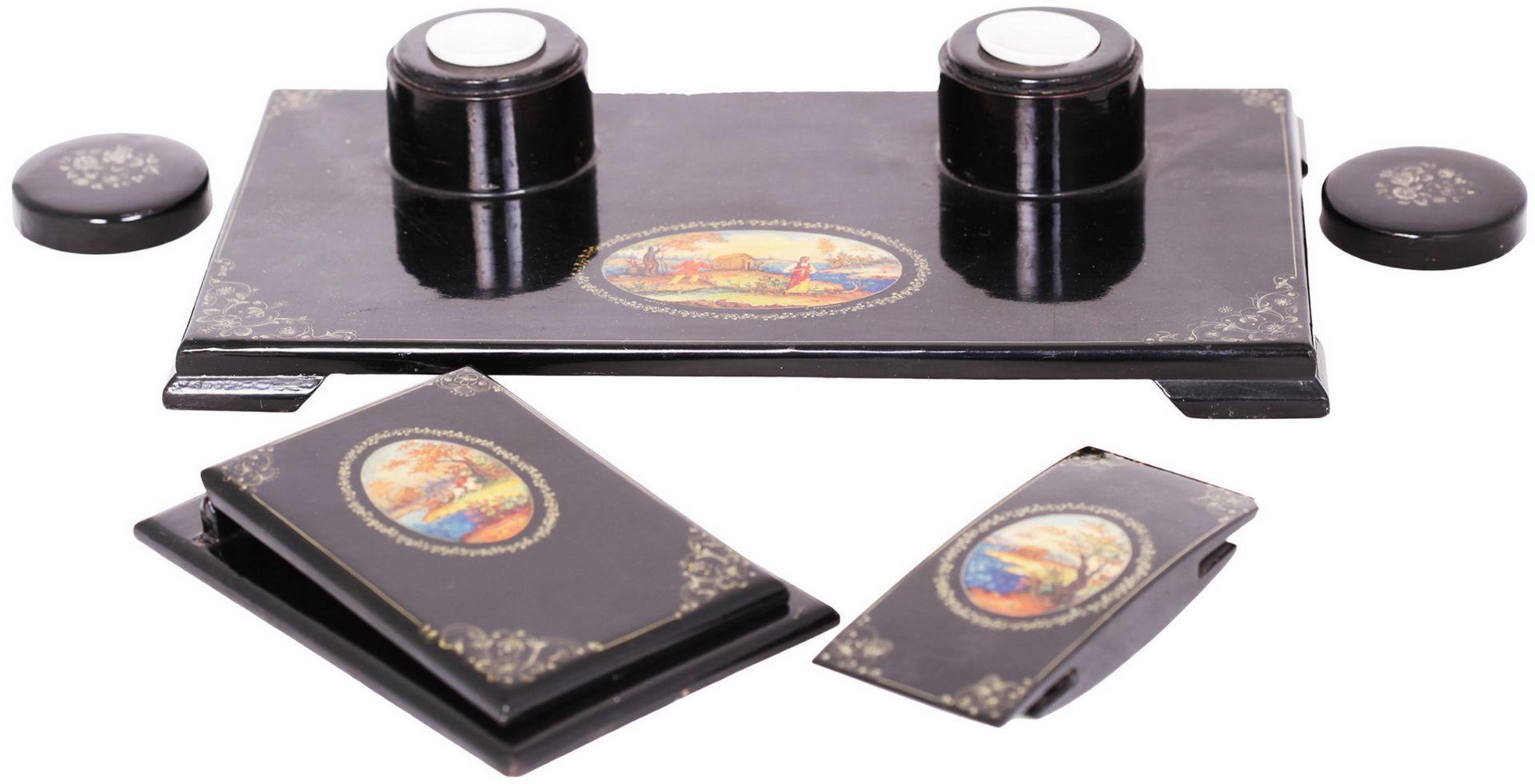 Russian black lacquered papier mache inkstand. - Mstyora, 20th century.<br>Hand painted. Inkstand: 8 - Bild 2 aus 7