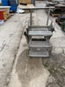 A SET OF THREE RUNG ALUMINIUM STEPS NO VAT