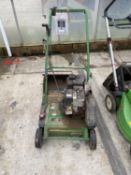 A JOHN DEERE D38R LAWNMOWER WITH B & S 475 SERIES ENGINE 148cc FROM LOCAL CRICKET CLUB - NO VAT -