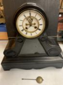 A LARGE MARBLE MANTEL CLOCK WITH VISUAL ESCAPEMENT (H: 43CM)
