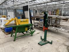 A WESSEX LS100 LOG SPLITTER WITH DOUBLE RAM, USED 3 TIMES - NO VAT