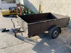 A TWO WHEELED TRAILER 7' X 4' - N0 VAT