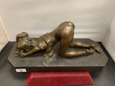 AN ORIGINAL BRONZE IN THE FORM OF A SEMI NUDE FEMALE (LENGTH OF PLINTH 36CM)