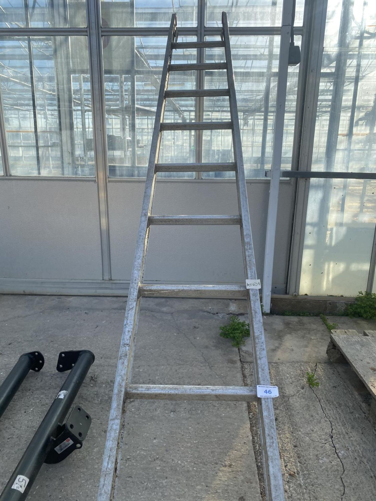 A LADDER AND TWO WITTER TOW BARS 125KG NO VAT - Image 7 of 7