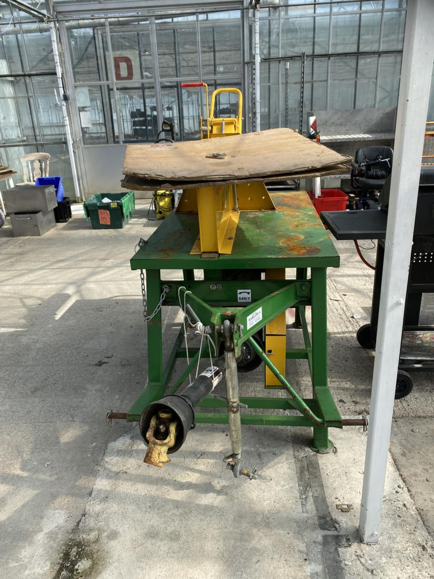 A KILWORTH PTO DRIVEN SAW BENCH AND BLADE BELIEVED WORKING NO WARRANTY + VAT - Image 2 of 4