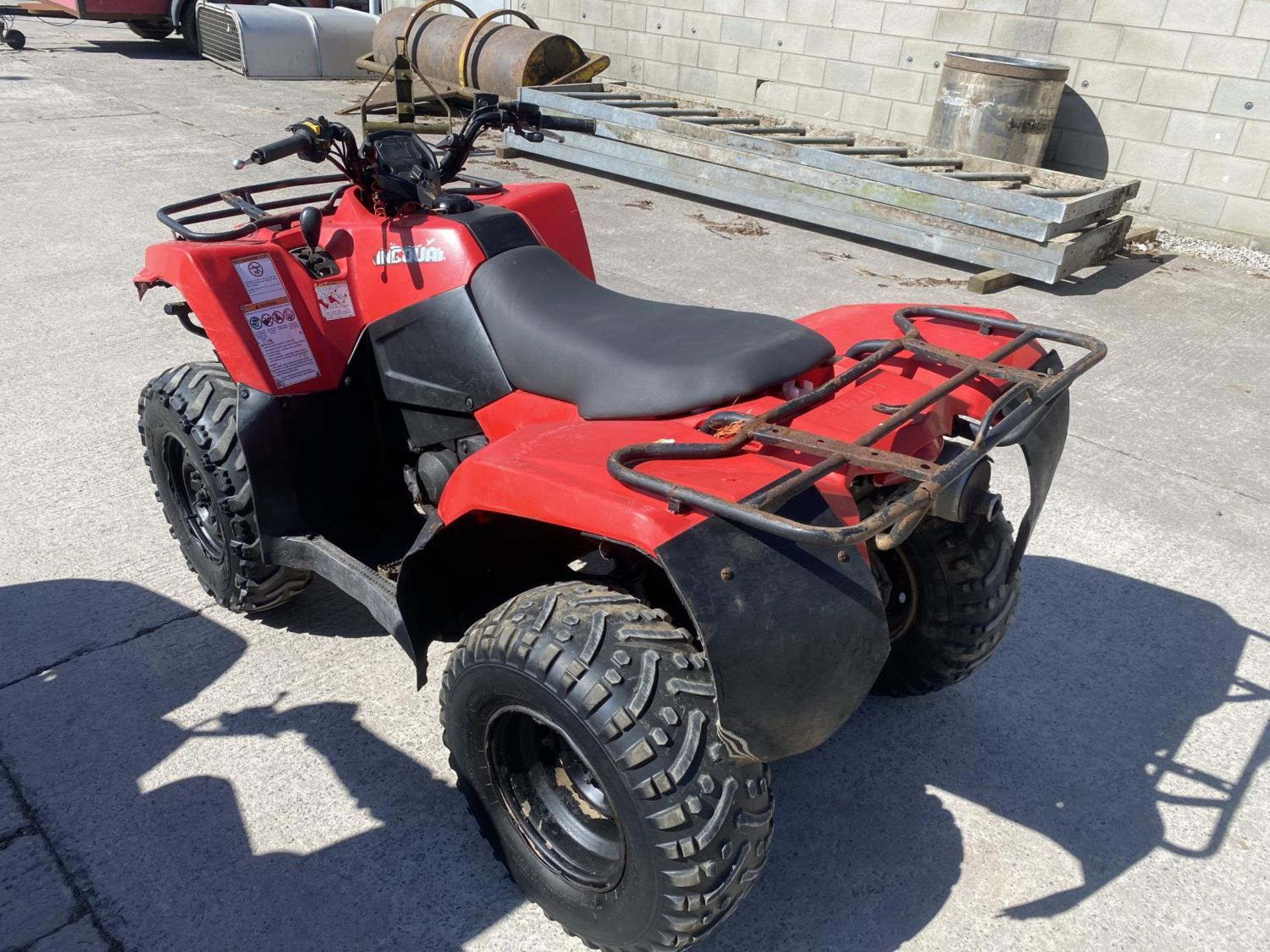 A 2013 SUZUKI KING QUAD, 400 CC AUTOMATIC - SEE VIDEO OF VEHICLE STARTING AND RUNNING - NO VAT - Image 10 of 12