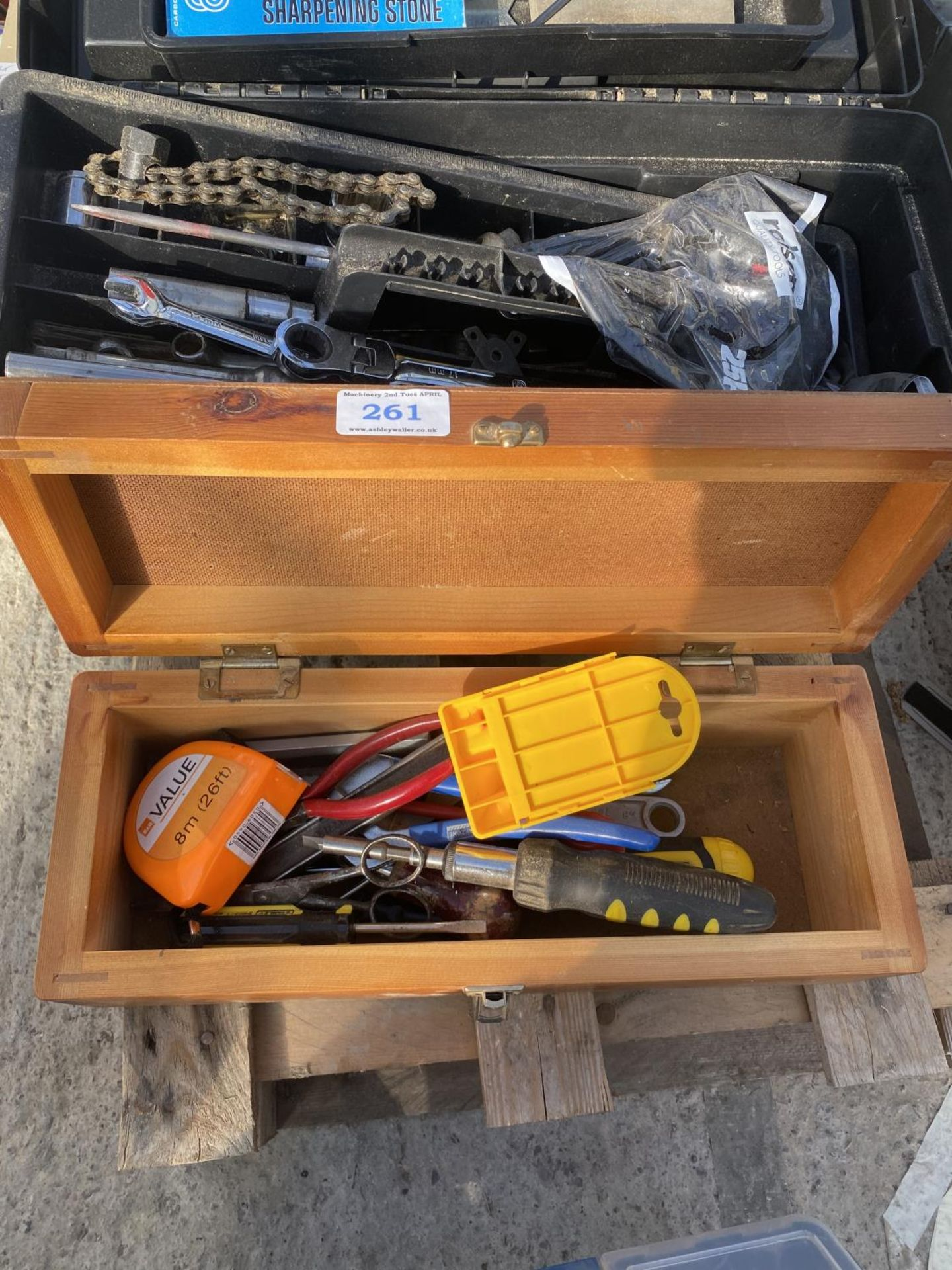 FOUR TOOL BOXES AND CONTENTS TO INCLUDE SPANNERS, SOCKETS, ALLUN KEYS ETC - NO VAT - Image 3 of 6