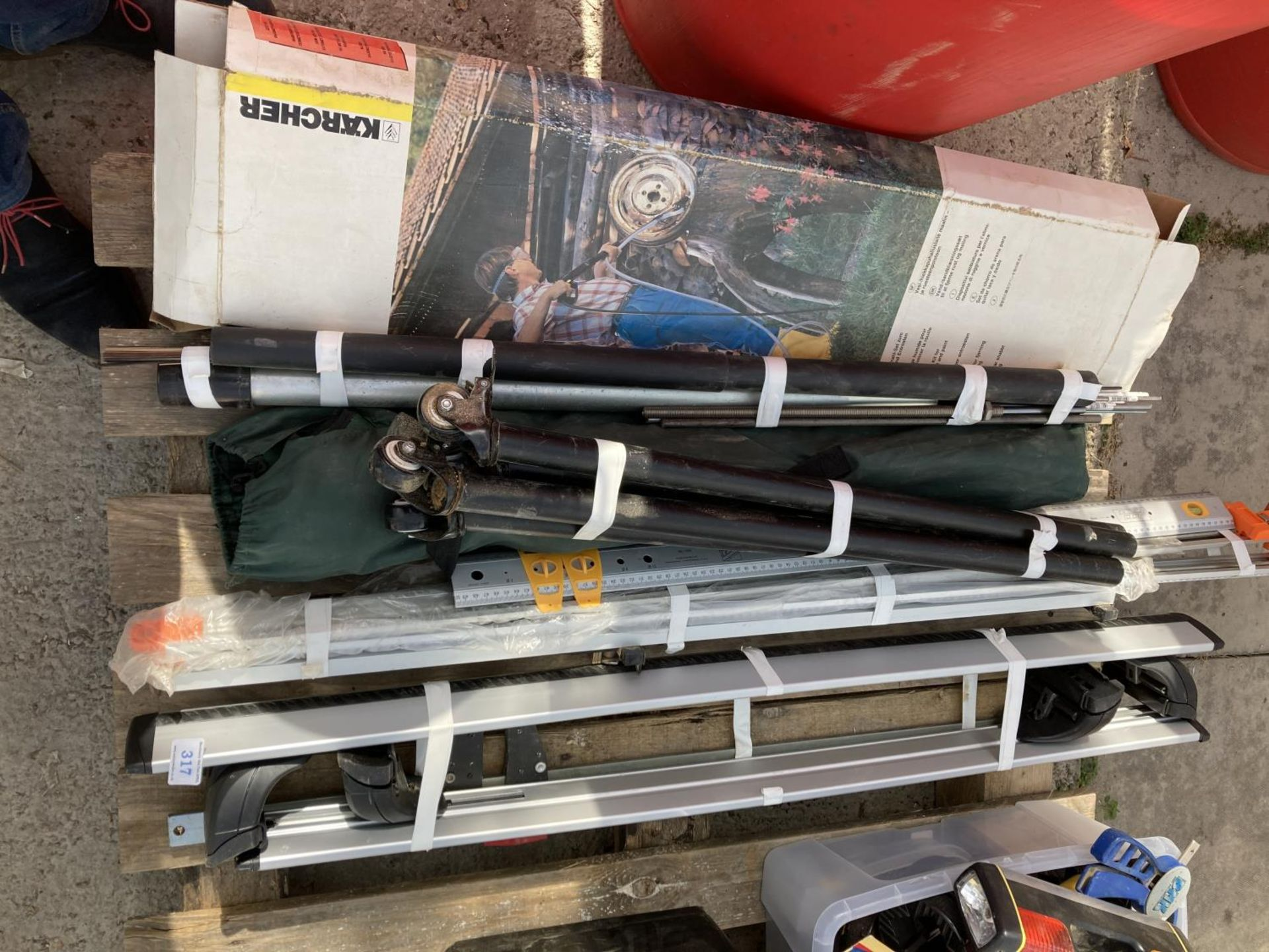 VARIOUS ITEMS TO INCLUDE CLAMPS, ROOF RACK, KARCHER LANCE ETC NO VAT
