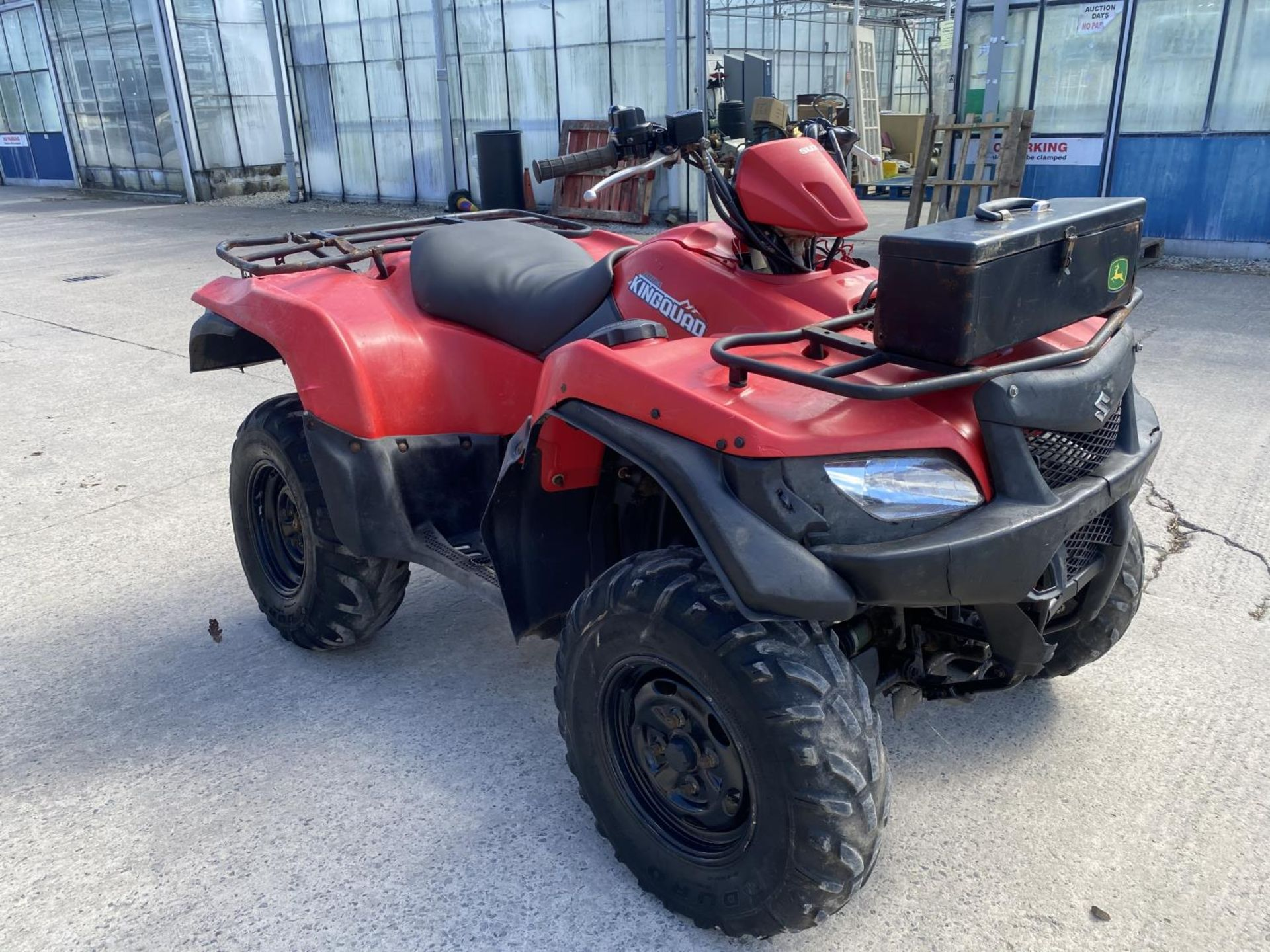 A 2014 SUZUKI KING QUAD, 500 CC WITH POWER STEERING - SEE VIDEO OF VEHICLE STARTING AND RUNNING AT - Image 4 of 9