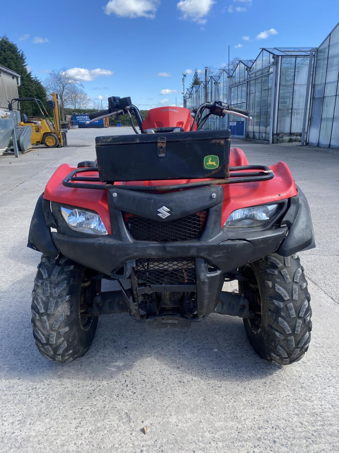 A 2014 SUZUKI KING QUAD, 500 CC WITH POWER STEERING - SEE VIDEO OF VEHICLE STARTING AND RUNNING AT - Image 3 of 9