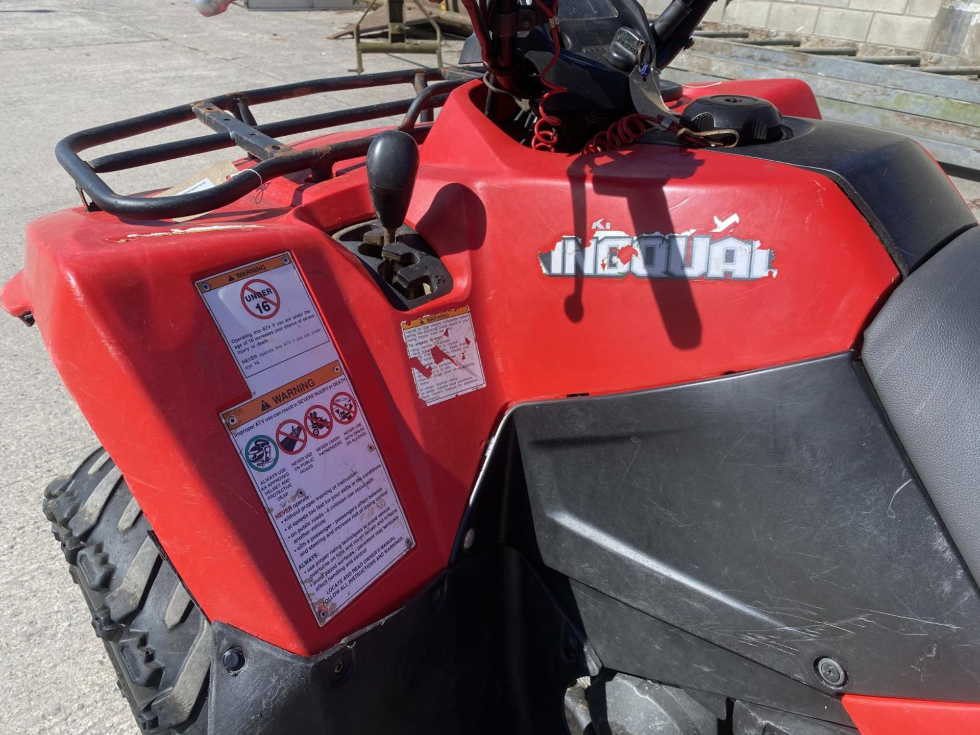 A 2013 SUZUKI KING QUAD, 400 CC AUTOMATIC - SEE VIDEO OF VEHICLE STARTING AND RUNNING - NO VAT - Image 2 of 12