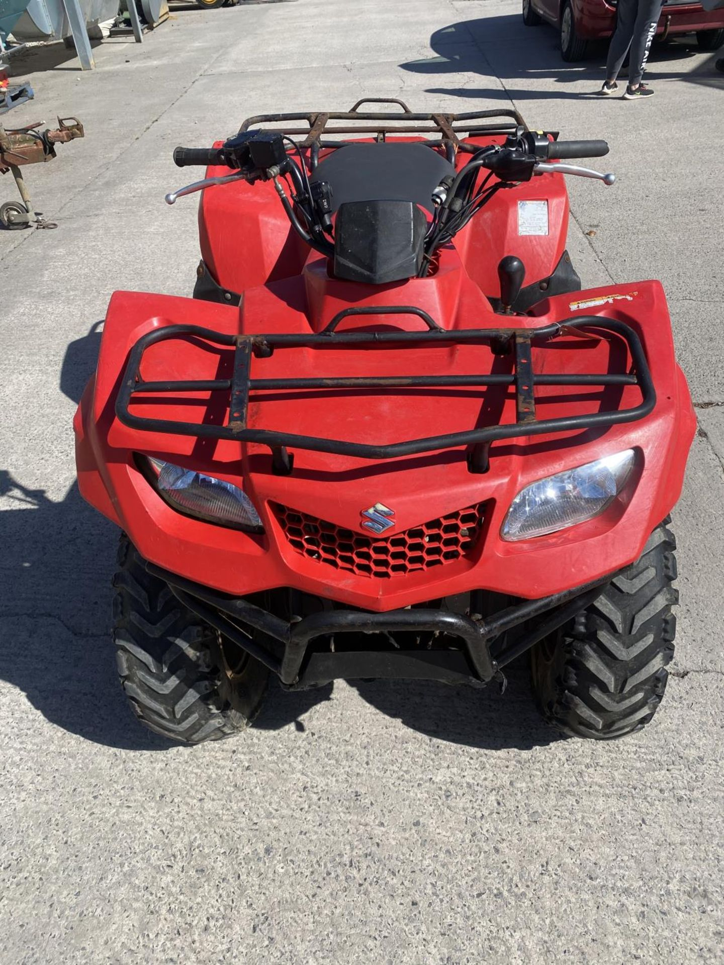 A 2013 SUZUKI KING QUAD, 400 CC AUTOMATIC - SEE VIDEO OF VEHICLE STARTING AND RUNNING - NO VAT - Image 3 of 12
