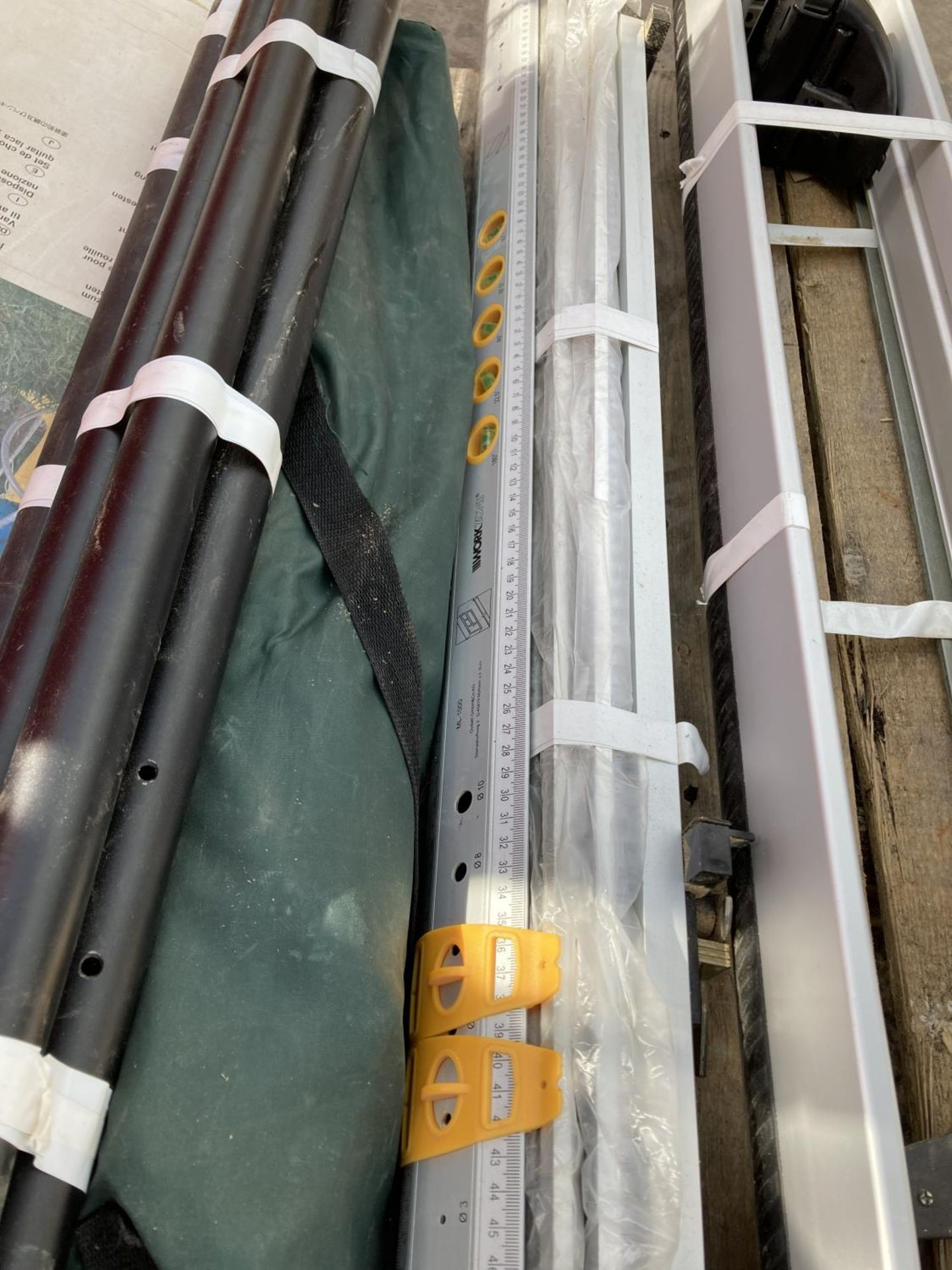 VARIOUS ITEMS TO INCLUDE CLAMPS, ROOF RACK, KARCHER LANCE ETC NO VAT - Image 4 of 4