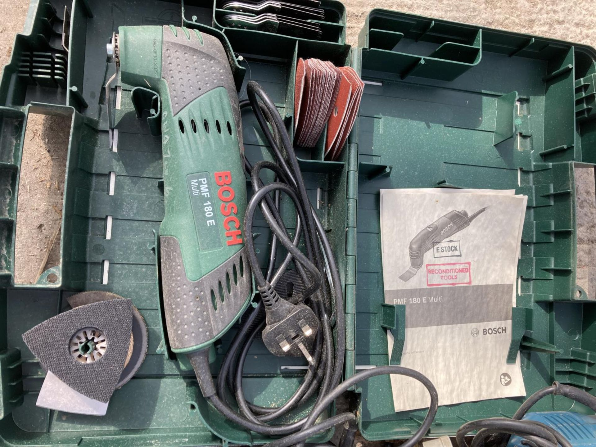 FOUR BOSCH ITEMS TO INCLUDE A CASED MULTI TOOL, BOXED CARVING PRIMER, JIGSAW AND ROUTER NO VAT - Image 5 of 5