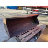 A FORE END LOADER BUCKET (FITS LOT 50)