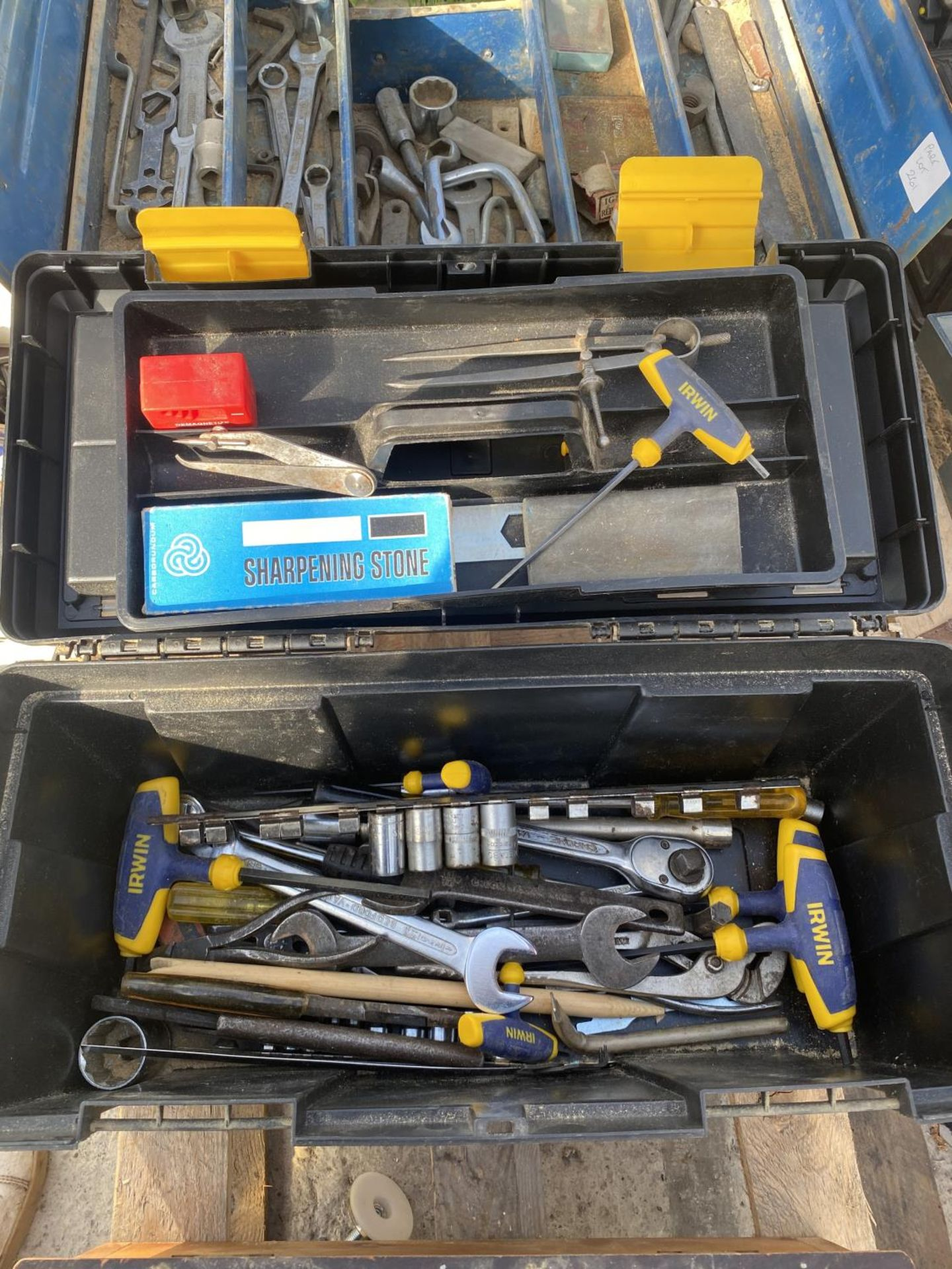 FOUR TOOL BOXES AND CONTENTS TO INCLUDE SPANNERS, SOCKETS, ALLUN KEYS ETC - NO VAT - Image 5 of 6