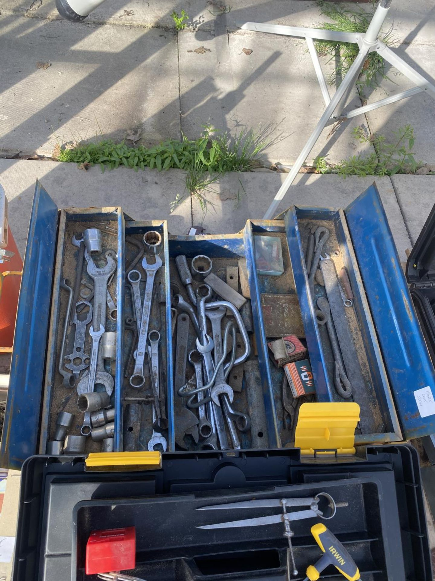 FOUR TOOL BOXES AND CONTENTS TO INCLUDE SPANNERS, SOCKETS, ALLUN KEYS ETC - NO VAT - Image 6 of 6