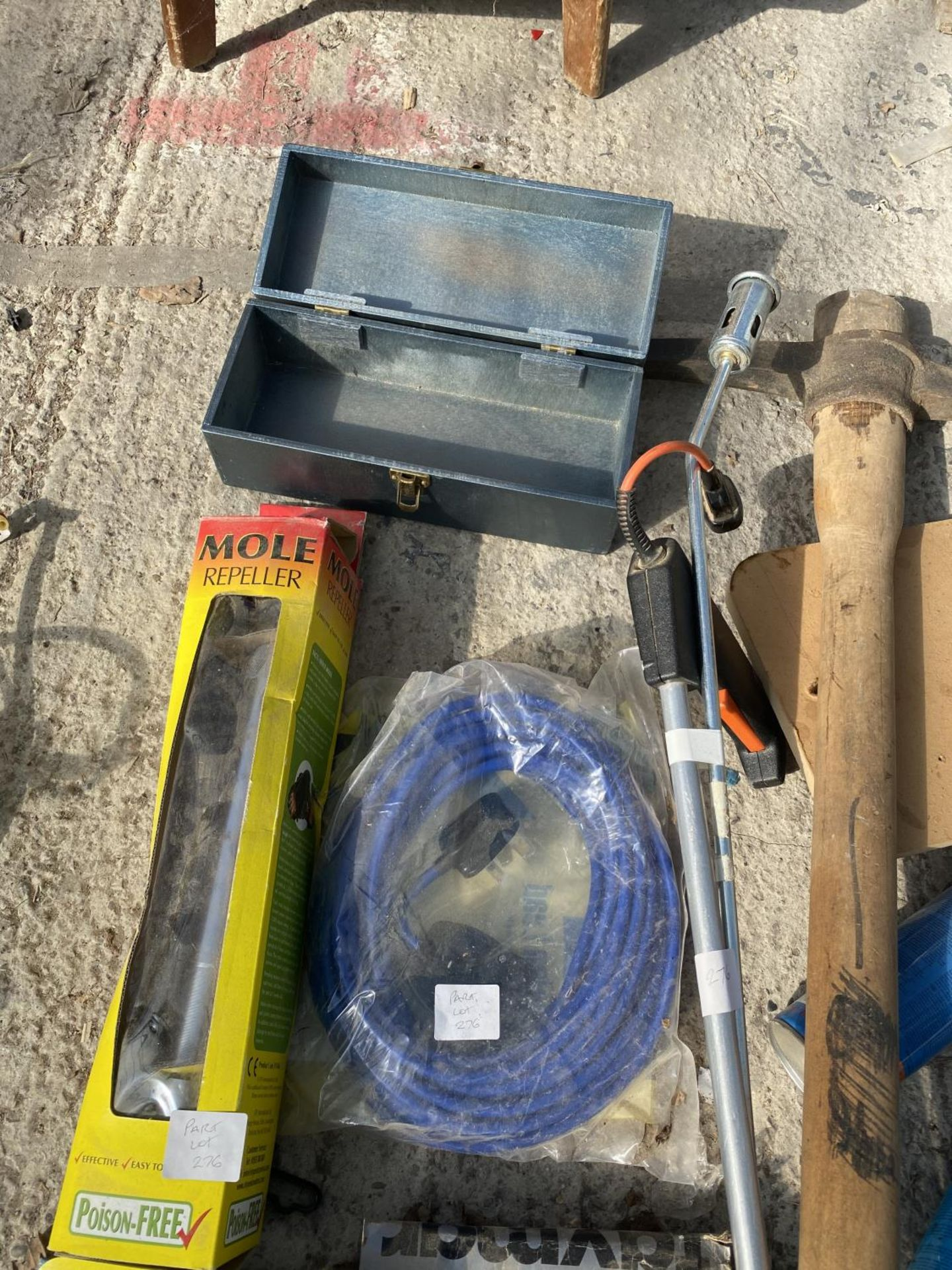 VARIOUS ITEMS TO INCLUDE TORCHES, BOTTLES JACKS, PICK AXE ETC NO VAT - Image 5 of 5
