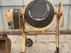 A CLARKE CCM125C ELECTRIC CEMENT MIXER - N0 VAT