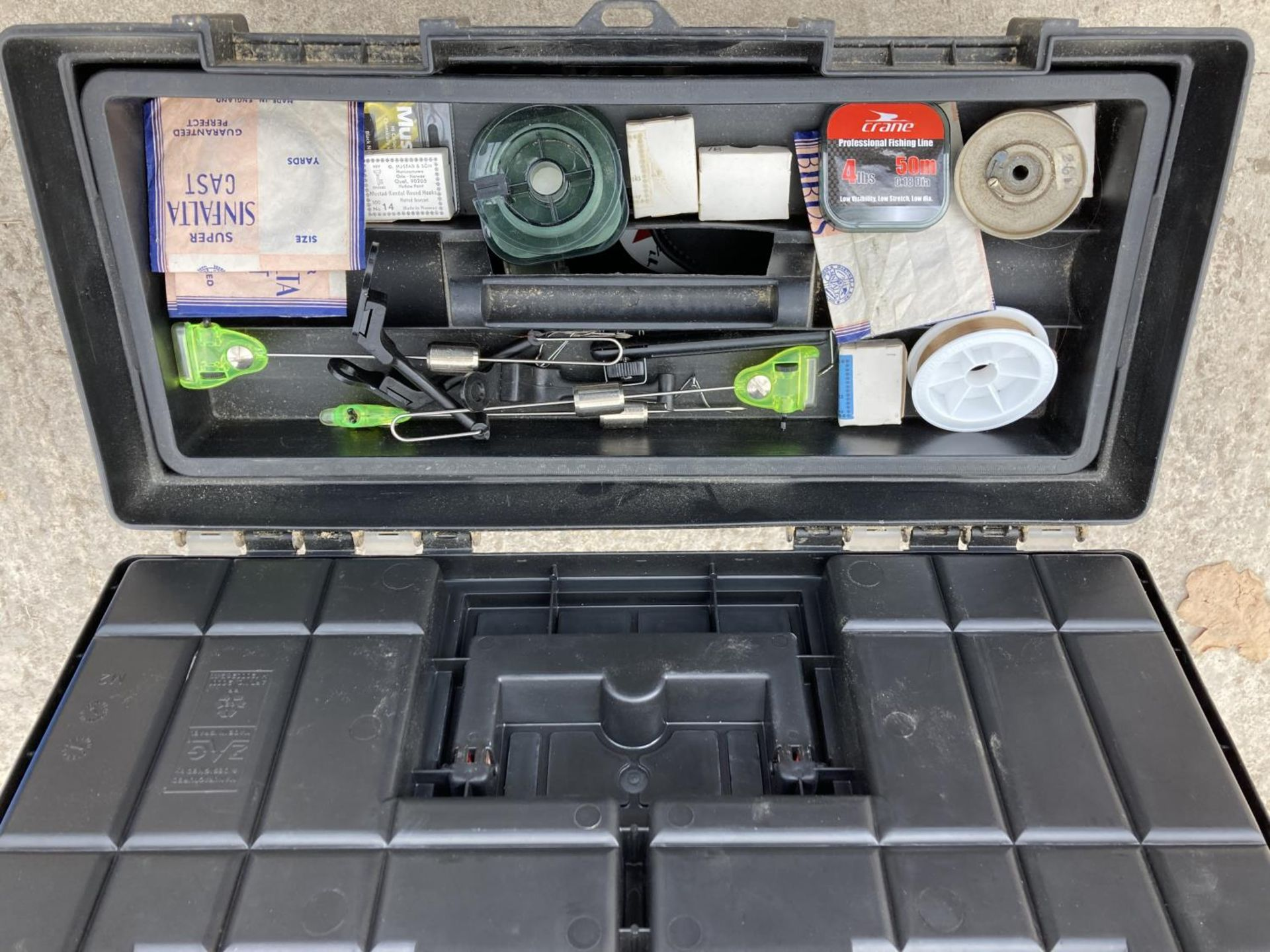 A TOOL BOX CONTAINING FISHING TACKLE TO INCLUDE RODS, ALARM, REELS ETC NO VAT - Image 2 of 4