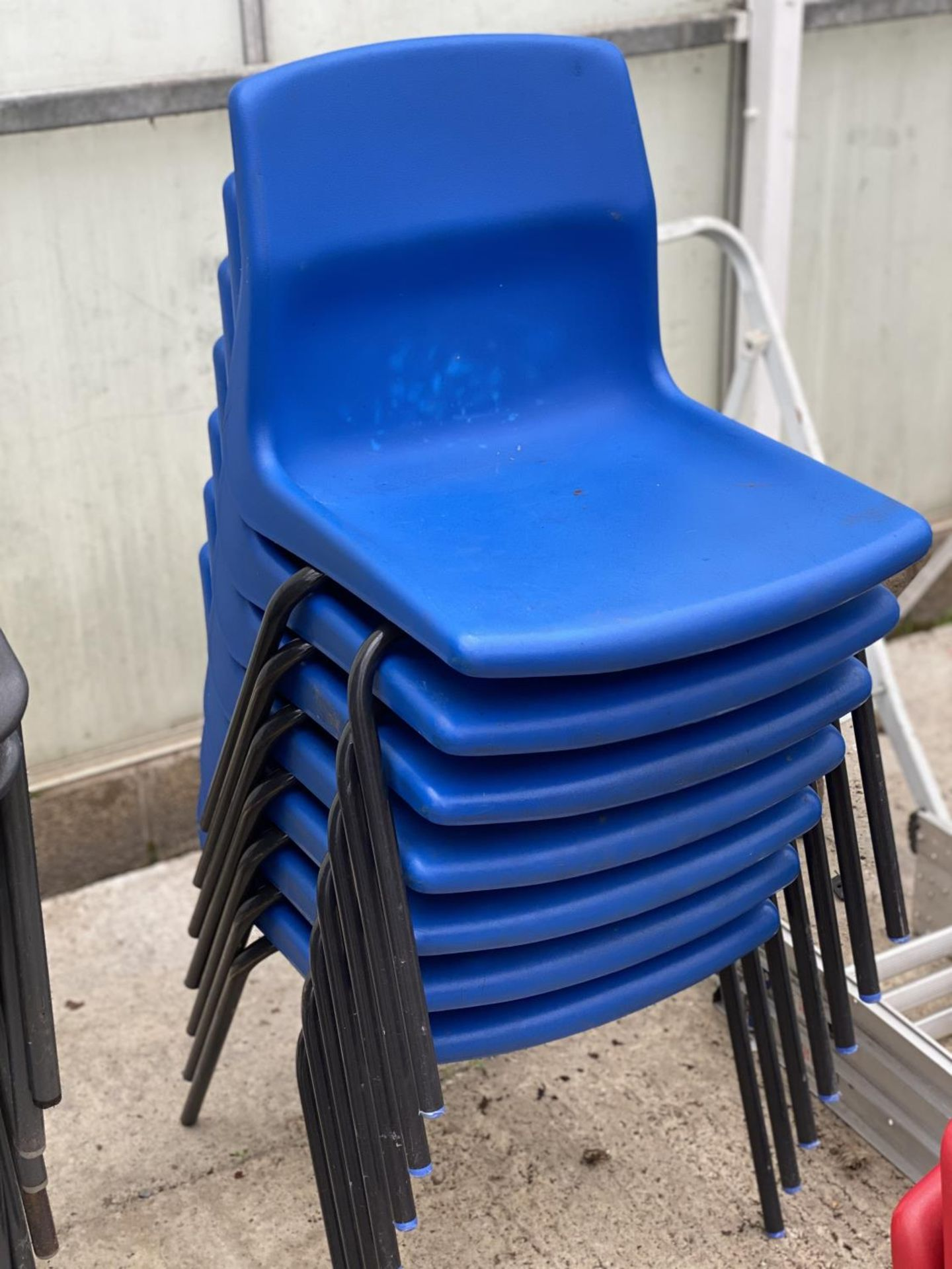 25 INFANT STACKING CHAIRS - N0 VAT - Image 4 of 4