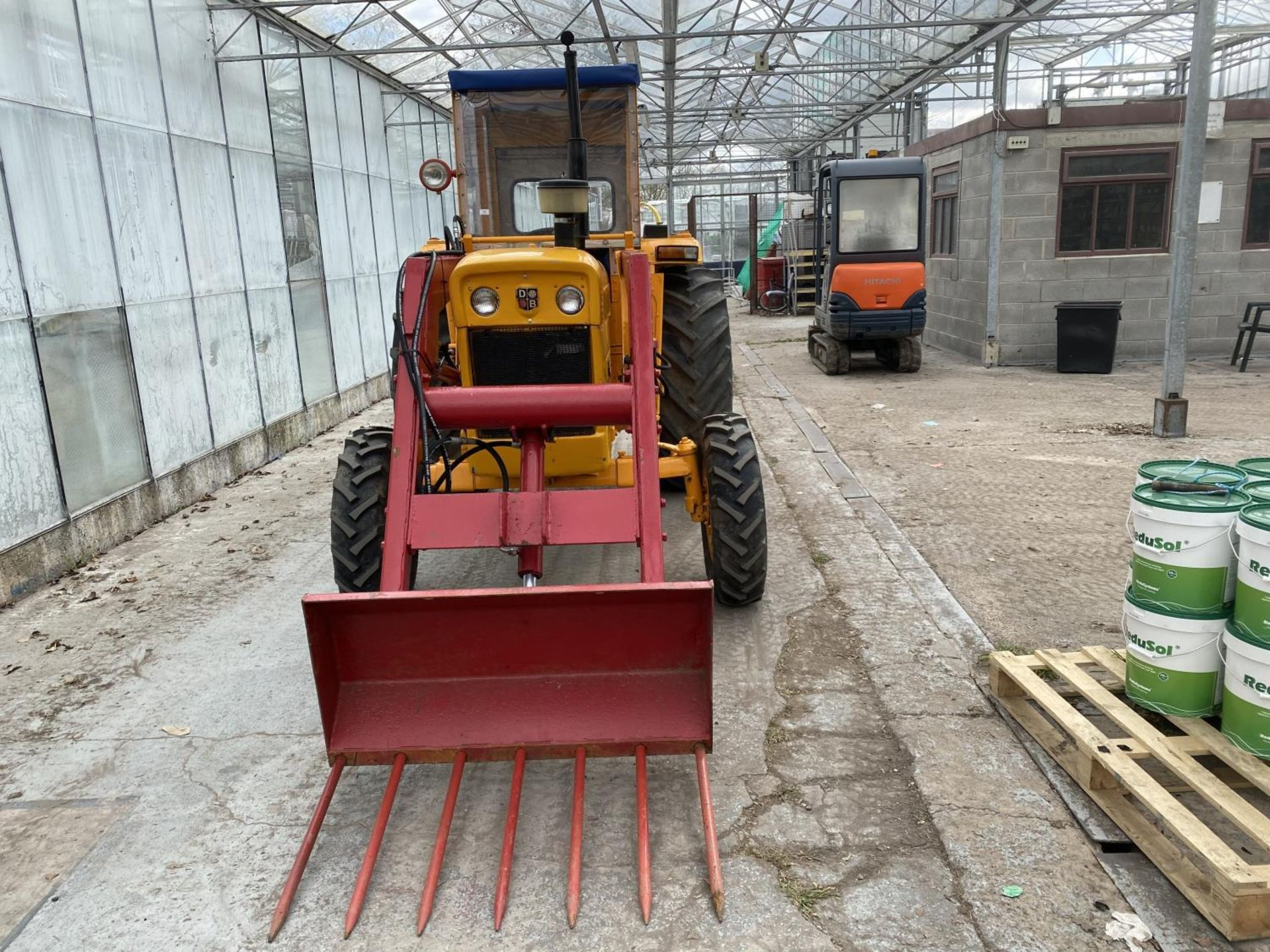 A DAVID BROWN 995 TRACTOR WITH FORE END LOADER AND MANURE FORK 3779 HOURS - Image 11 of 11