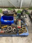 AN ASSORTMENT OF ITEMS TO INCLUDE A McKELER MITRE SAW, CUTTING DISCS AND GALVANISED TUB AND CONTENTS
